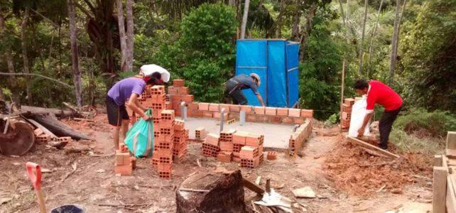 Inicio construcción de los baños de nuestra escuela.