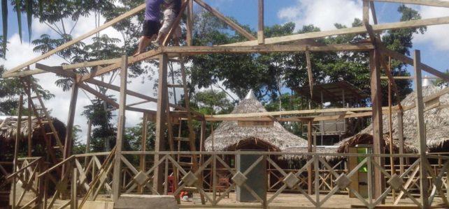 Inicio construcción del techo de nuestra sala de reuniones. (VIDEO)